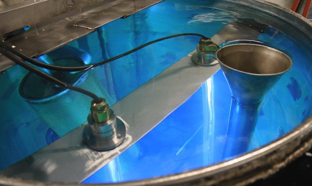 Dekontaminering af vandtank med UVC lys
